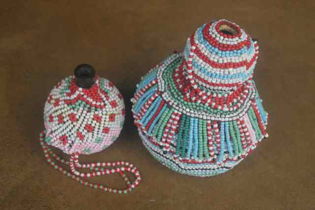 beaded containers