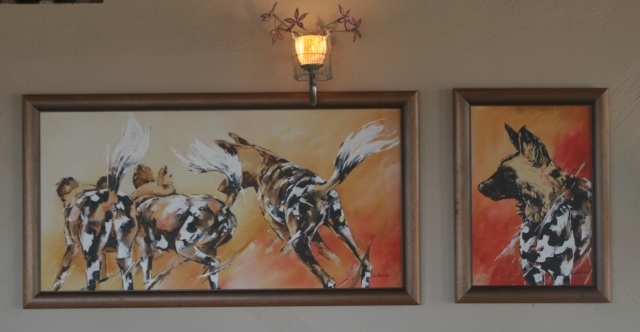 Lin Barrie Wild dog art at Chilo Gorge Safari Lodge