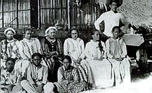 Queen Teriimaevarua III, forced to abdicate by the French ....