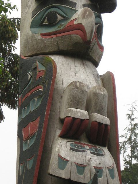 ketchikan totem detail